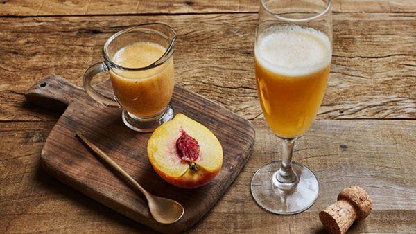 Bellini com suco de pêssego